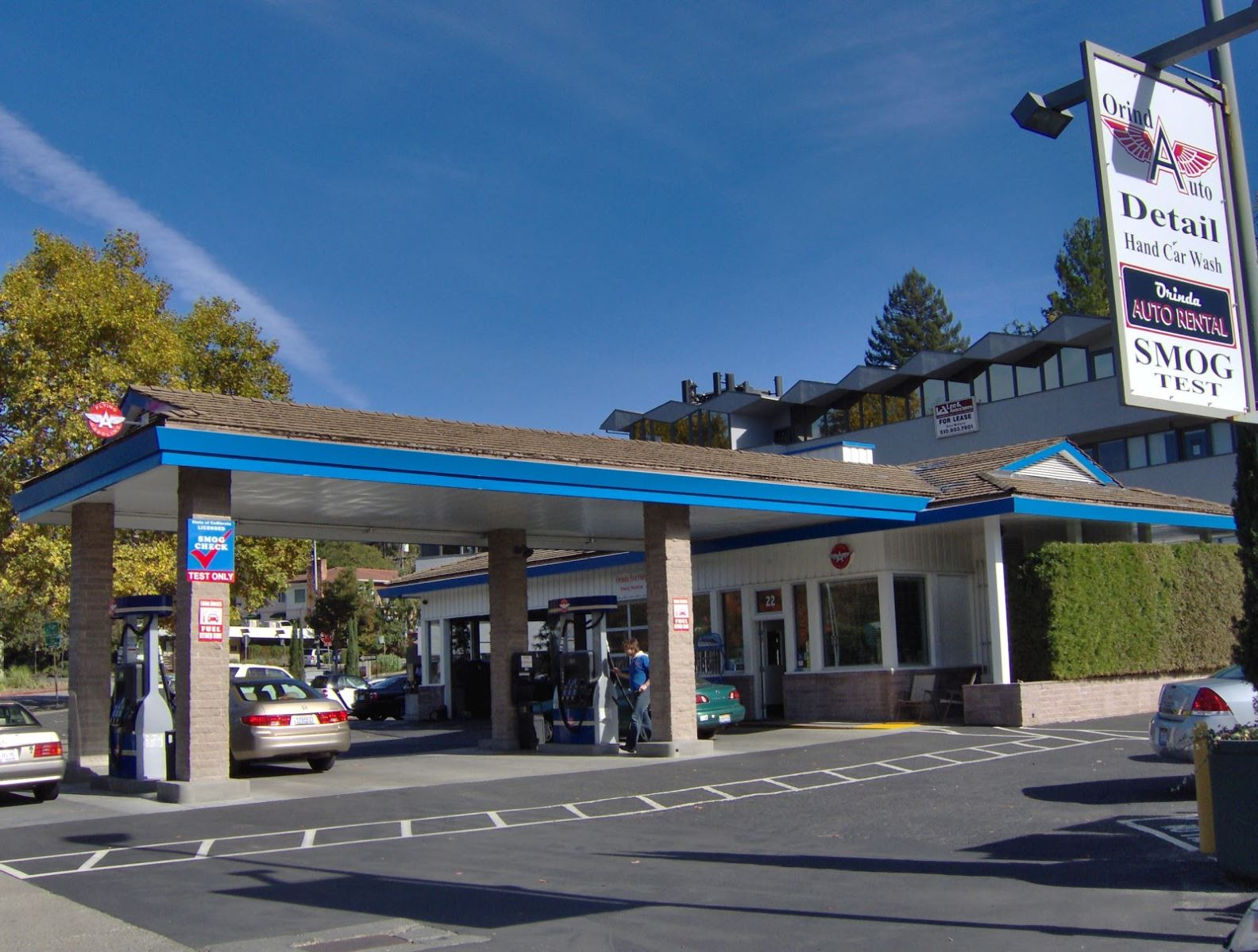 Are Full Service Gas Stations a Thing of the Past? (Flying A Gasoline is a rarity in California.)